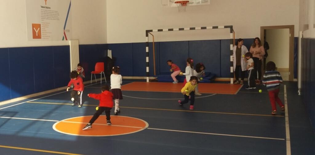 Tenis Topları | İstanbul Pendik İlkokulu ve Ortaokulu | Özel Okul