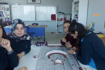 Görsel Sanatlar Dersinde Pul Sanatı Etkinliği