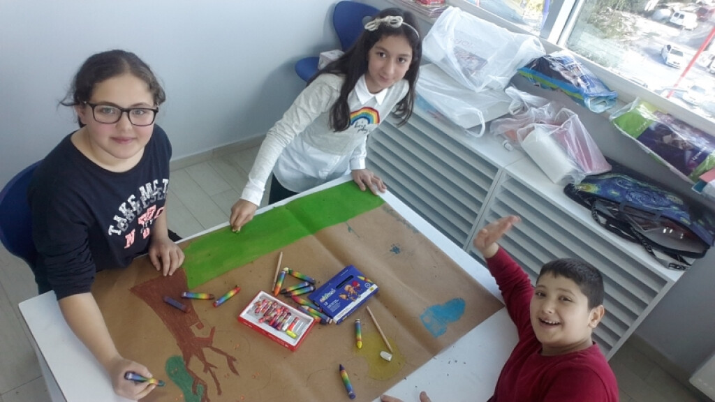 Pastel Boyalar İle Grup Çalışmamız | İstanbul Pendik İlkokulu ve...