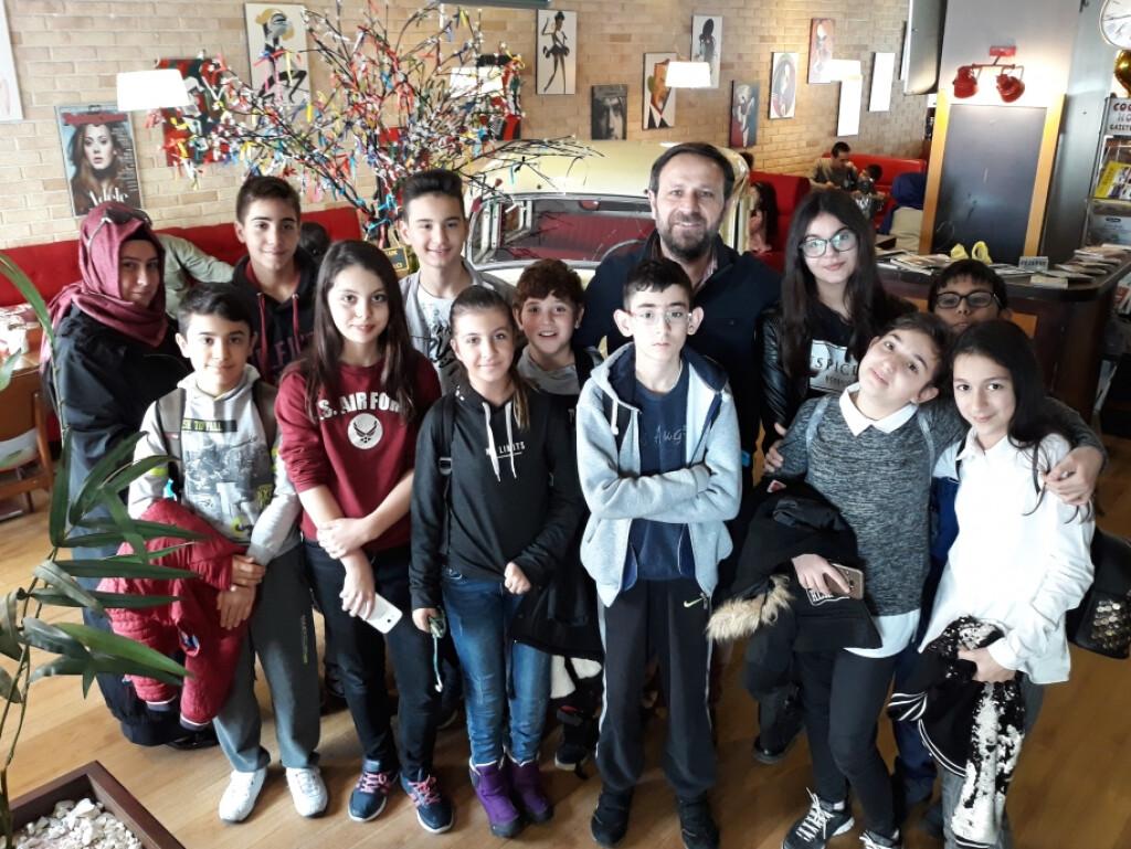 "7 - A Sınıfı ""kitap Cafe""de | İstanbul Pendik İlkokulu ve Ortaoku..."