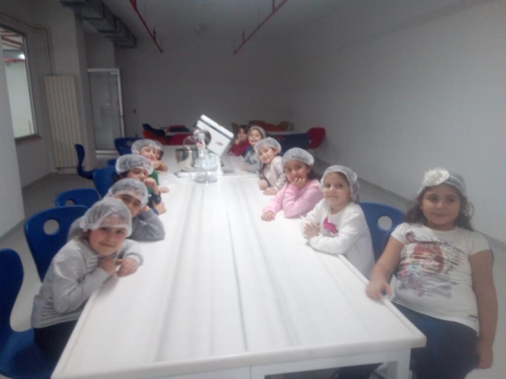 Çalışkan Arılar Sinema Etkinliği | Pendik İlkokulu ve Ortaokulu |...