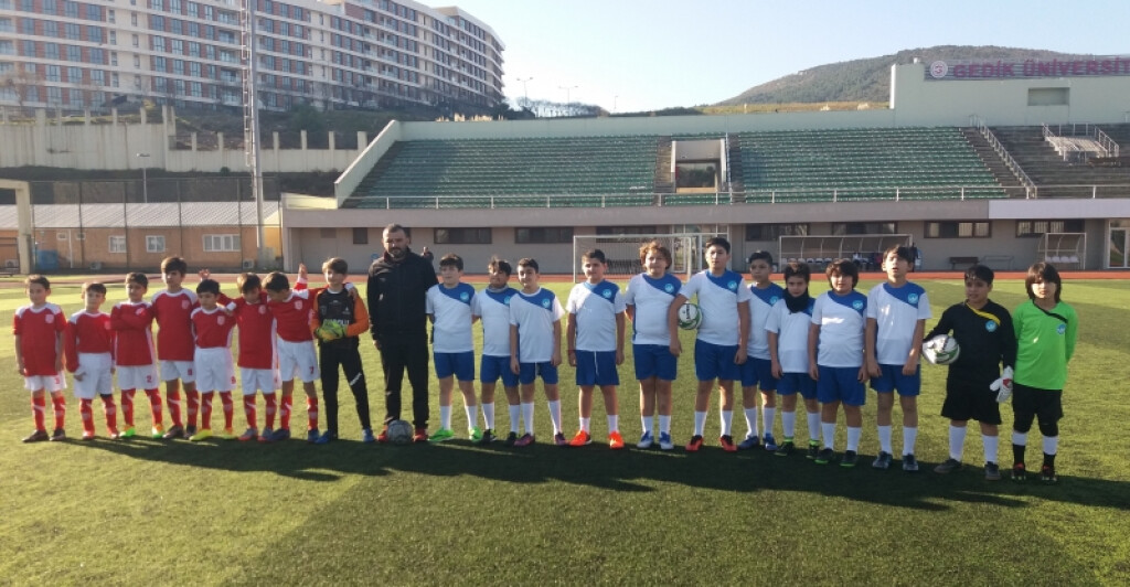 Milli Eğitim İlçe Futbol Turnuvası | Pendik İlkokulu ve Ortaokulu...