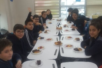 İngilizce Dersimizde Food Konusunu İşledik.