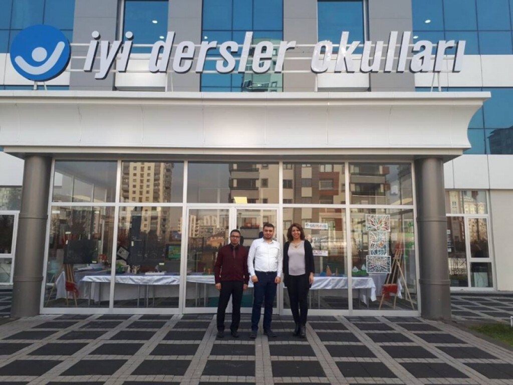 Satranç Fedarasyonu İl Temsilcimiz Sayın Veysi Arslan Bey ve Yard...