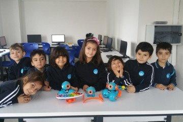 İlkokul Öğrencilerimizle Kodlama ve Robotik Dersimizden Kareler |...