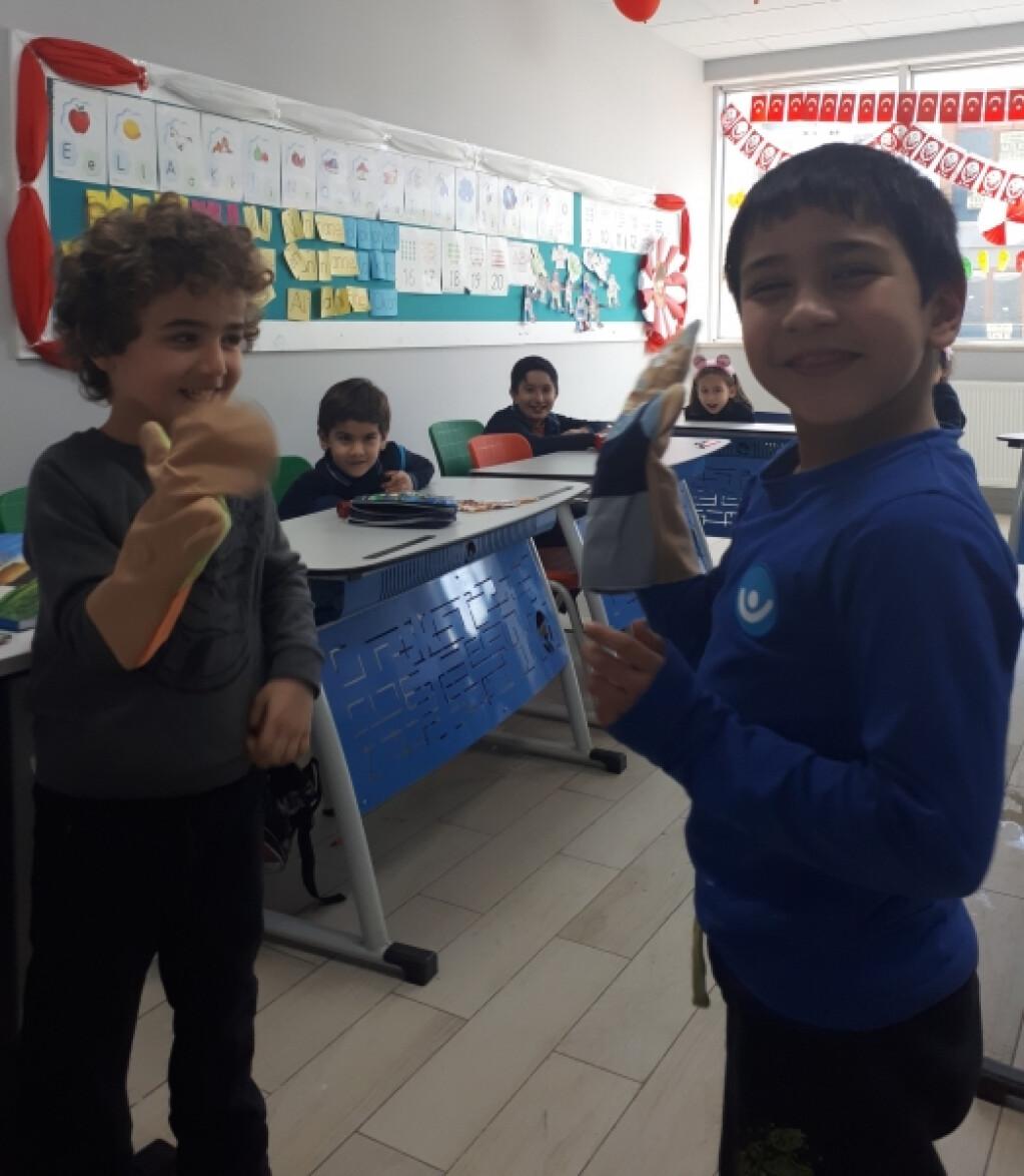 Nezaketli Kuklalar | Pendik İlkokulu ve Ortaokulu | Özel Okul