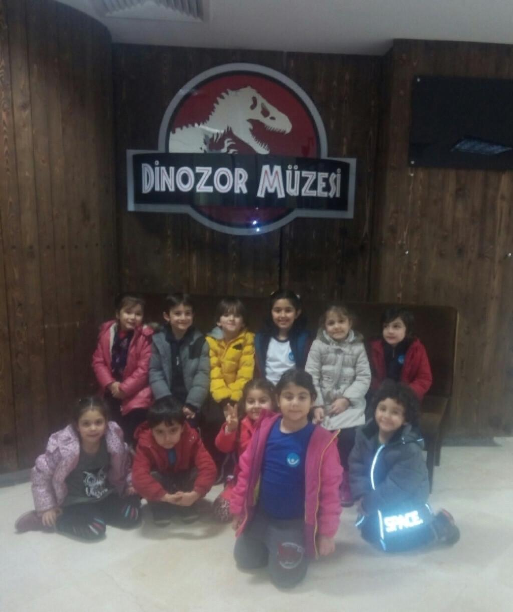 Türkan Saylan Kültür Merkezi Dinozor Müze Gezisi   İstanbul Pendi...