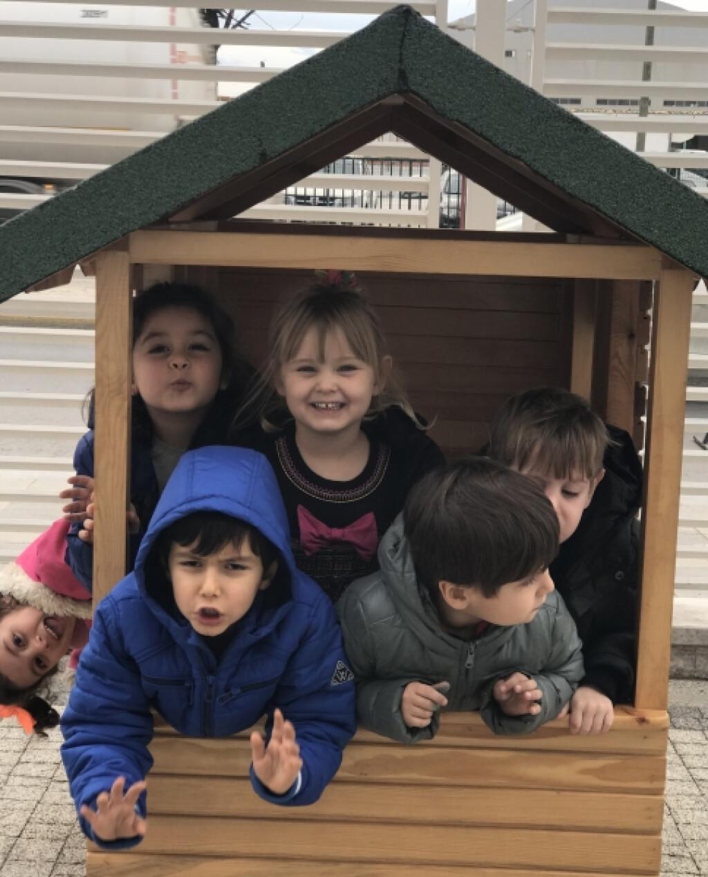 Sevimli Kuzular Parkta | Pendik İlkokulu ve Ortaokulu | Özel Okul