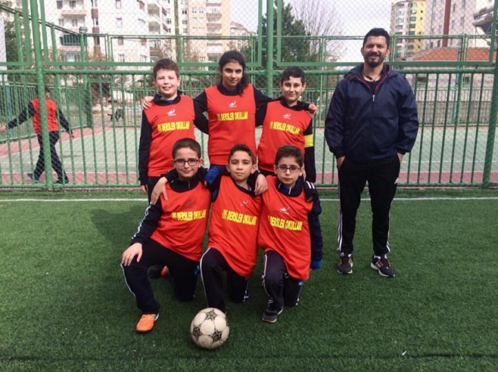 Sınıflar Arası Futbol Turnuvalarımız | Kayseri Alpaslan Ortaokulu...