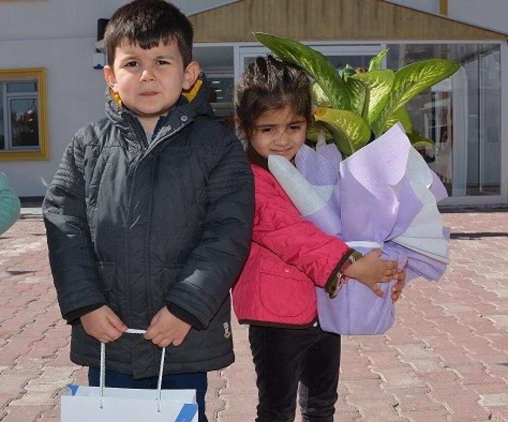 Yaşlılara Saygı Haftası... | Kayseri Konaklar İlkokulu ve Ortaoku...