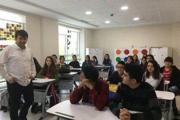 Lise İçin Mustafa Yüce Tarafından Rehberlik Semineri Gerçekleşti.