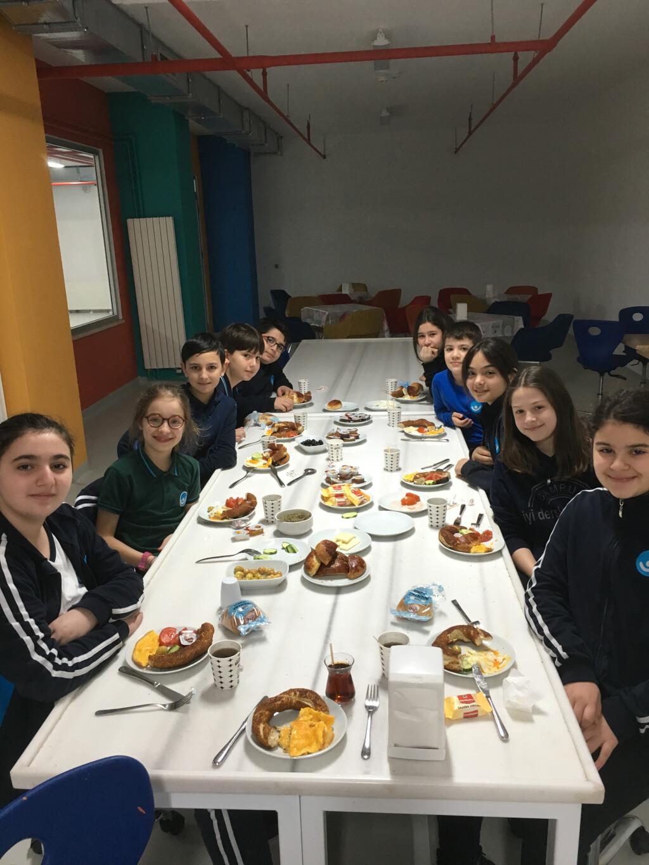 Kazanana Kahvaltı:) | Pendik İlkokulu ve Ortaokulu | Özel Okul