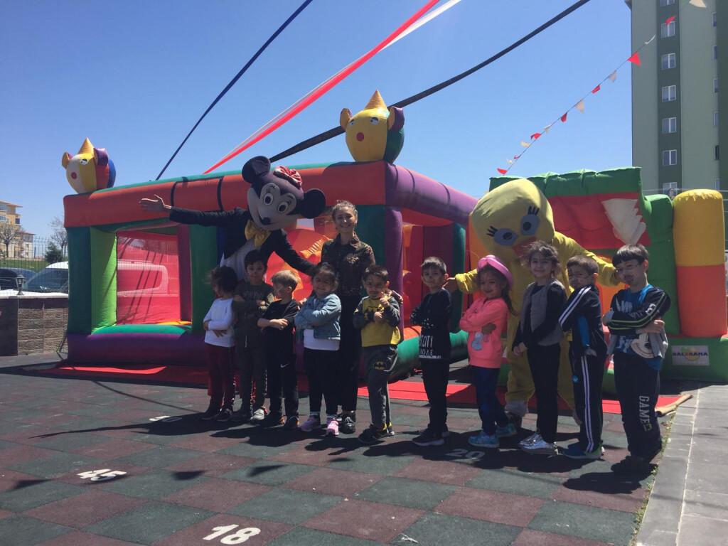 Çocuk Şenliği | Kayseri Konaklar İlkokulu ve Ortaokulu | Özel Oku...