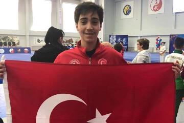 Esat Ömer Ay Avrupa'da | İstanbul Pendik İlkokulu ve Ortaokulu |...